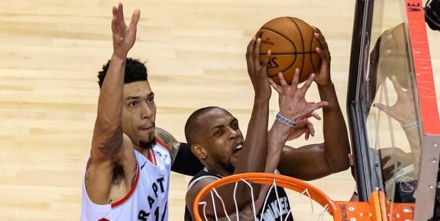 NBA: 118-112: Los Raptors sufren para ganar a los Bucks y colocar un 1-2 en la serie