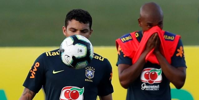 Brasil se entrena con 17 convocados pero sin Neymar, que sigue con dolores