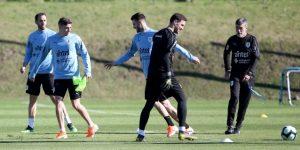 Diego Godín encabeza el primer entrenamiento de Uruguay para la Copa América