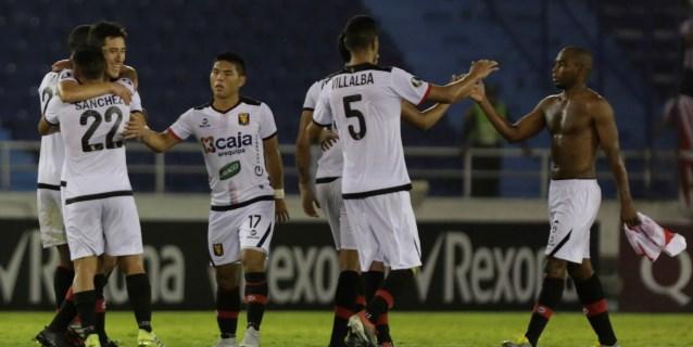Un triplete del argentino Cuesta deja servido el Torneo Apertura para Binacional