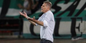 El brasileño Autuori renuncia como técnico del Atlético Nacional
