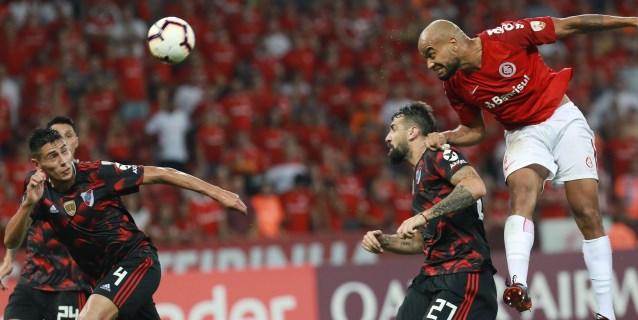 River recibe a Internacional en un partido de trámite en el cierre del Grupo A