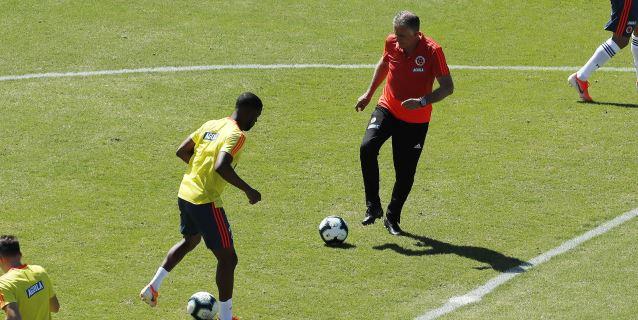 El portugués Queiroz y el español Sánchez, pulso paralelo al Colombia-Catar