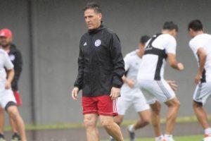 La lluvia sorprende a Paraguay al llegar a Porto Alegre para jugar con Brasil