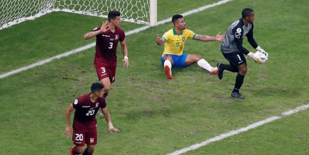 0-0. Una Brasil sin garra se atraganta con Venezuela y el VAR