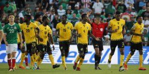 Jamaica hace valer la ventaja de campo y El Salvador su experiencia