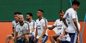 Argentina practica penaltis en una sesión distendida que confirma dos cambios