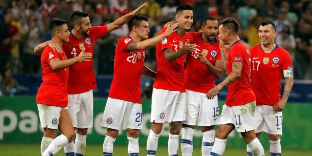 Chile se sobrepone al VAR y pasa a semis al apear a Colombia en los penaltis