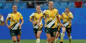 3-2. Australia hunde a Brasil tras el descanso
