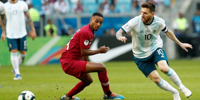 0-2. Argentina logra un triunfo balsámico contra Catar para pasar a cuartos