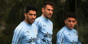 Con toques de balón, goles y juego en equipo, Uruguay continúa sus entrenamientos