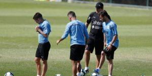 Uruguay se acerca a casa para medirse a Japón, con lesionado Vecino incluido