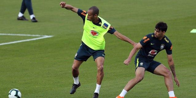 Brasil se entrena por primera vez en Sao Paulo de cara a su debut en la Copa América ante Bolivia