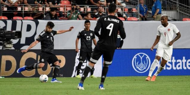 3-1. México, con doblete de Guardado, golea a Canadá y pasa a cuartos
