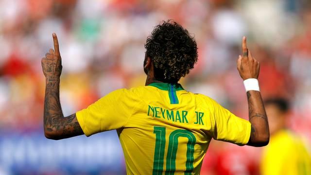 Brasil arranca contra Bolivia y la alargada sombra de Neymar