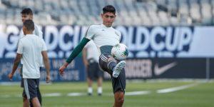 El Ajax ficha al mexicano Edson Álvarez, sustituto de De Ligt