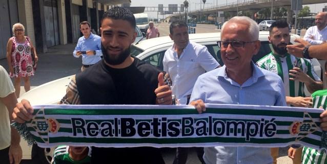Nabil Fekir firma con el Betis hasta 2023