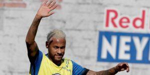 Neymar dice que está casi recuperado de su lesión, pero no habla de su futuro