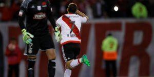 Un Monumental repleto se rinde ante Rodrigo Mora en su partido de despedida