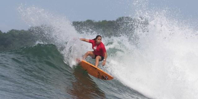 LIMA 2019: La surfista Samanta Alonso quiere deslizarse en su tabla hacia Tokio 2020
