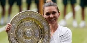 Halep deja petrificada a Serena en la conquista de su primer Wimbledon