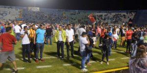 Tres muertos y 12 heridos tras un ataque al autobús de un equipo de fútbol hondureño