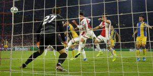 El Ajax tumba al APOEL y sueña con una nueva gesta en su vuelta a Europa