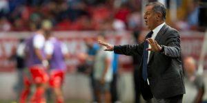 El técnico Enrique Meza queda fuera del Veracruz que le aceptó su renuncia
