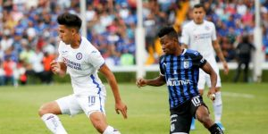 El Querétaro golea 3-0 a un desdibujado Cruz Azul y sube al segundo lugar