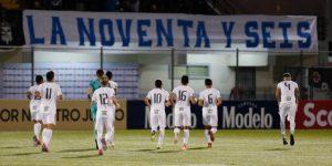 Alianza es líder y el hondureño Zúniga es el goleador en El Salvador