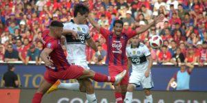El clásico paraguayo entre Cerro y Olimpia concluye sin goles