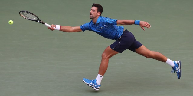 TENIS: Djokovic y Medvedev dominan en su debut, mientras la derrota de Kerber fue la sorpresa femenina