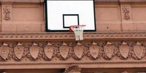 Colocan un aro en la Casa Rosada en honor a la selección argentina de baloncesto