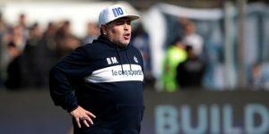 """Maradona dice que dejará """"la vida"""" para salvar a Gimnasia del descenso"""