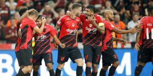 Paranaense se adelanta en final de la Copa de Brasil ante Internacional