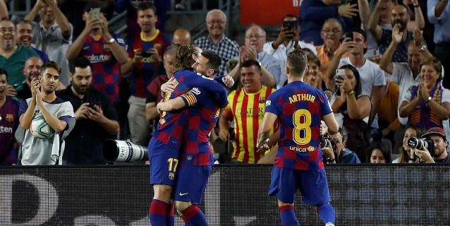 2-1. Un Barça deprimido salva los muebles en el Camp Nou