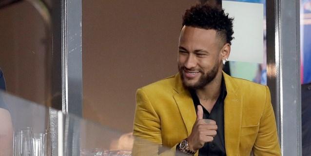 """La modelo Najila Trindade dice que Neymar publicó sus fotos íntimas para """"vengarse"""" y """"humillarla"""""""