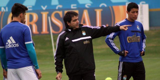 Los resultados le costaron el puesto a Claudio Vivas en Sporting Cristal