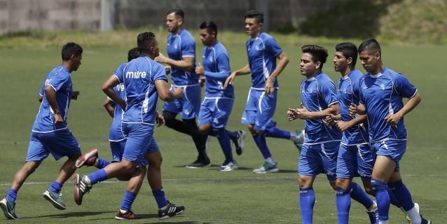 El Salvador busca afianzarse en la Liga de Naciones ante una República Dominicana tocada