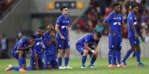 """Emelec, Nacional, Cuenca y Guayaquil City buscan un pase a los """"playoffs"""" en Ecuador"""