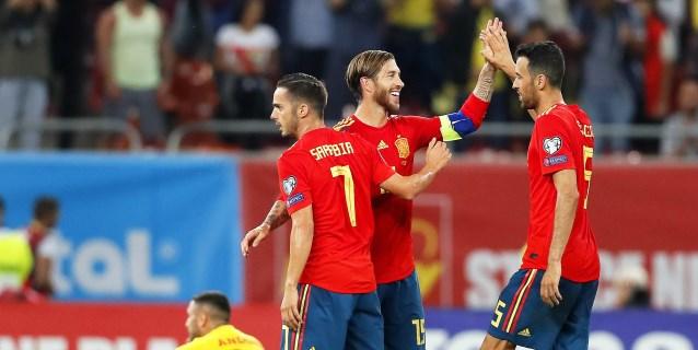1-2. España se luce y encuentra a Kepa