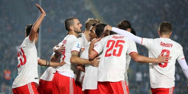 El Juventus, sin Cristiano, remonta al Brescia en el debut de Balotelli