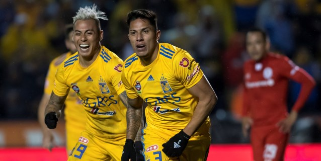 El campeón Tigres vence al Toluca y se confirma en zona de liguilla en México