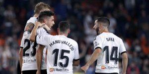1-1. Valencia y Sevilla firman tablas en un partido bronco e intenso