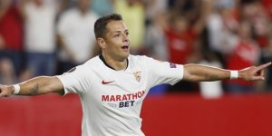 1-0. Chicharito afianza al Sevilla en el liderato de su grupo