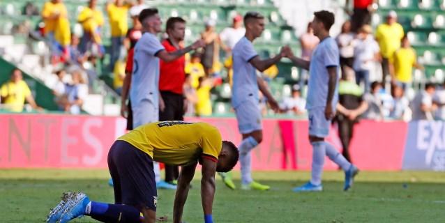 6-1. Argentina se carga de moral ante una frágil Ecuador