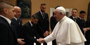 El Papa recibe a la selección italiana en el Vaticano
