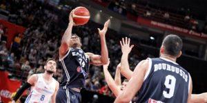 NBA: Clippers, elegidos campeones, y Antetokounmpo, MVP, por gerentes generales