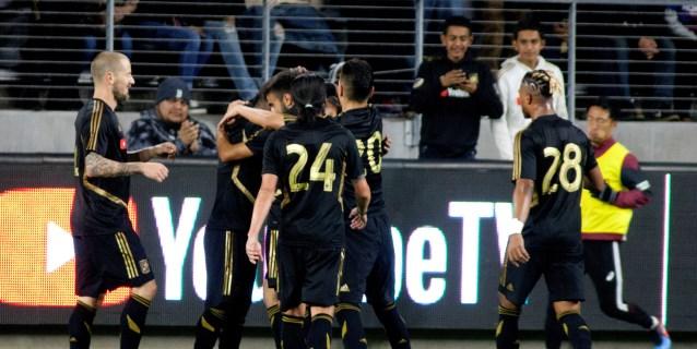 5-3. Vela, con doblete, gana duelo a Ibrahimovic y LAFC jugarán final
