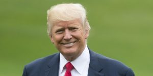 Trump viaja en el Air Force One con el equipo campeón mundial de Pequeñas Ligas
